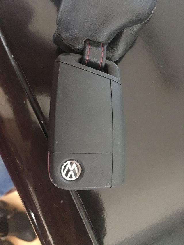 高尔夫7钥匙电池型号是什么,怎么更换