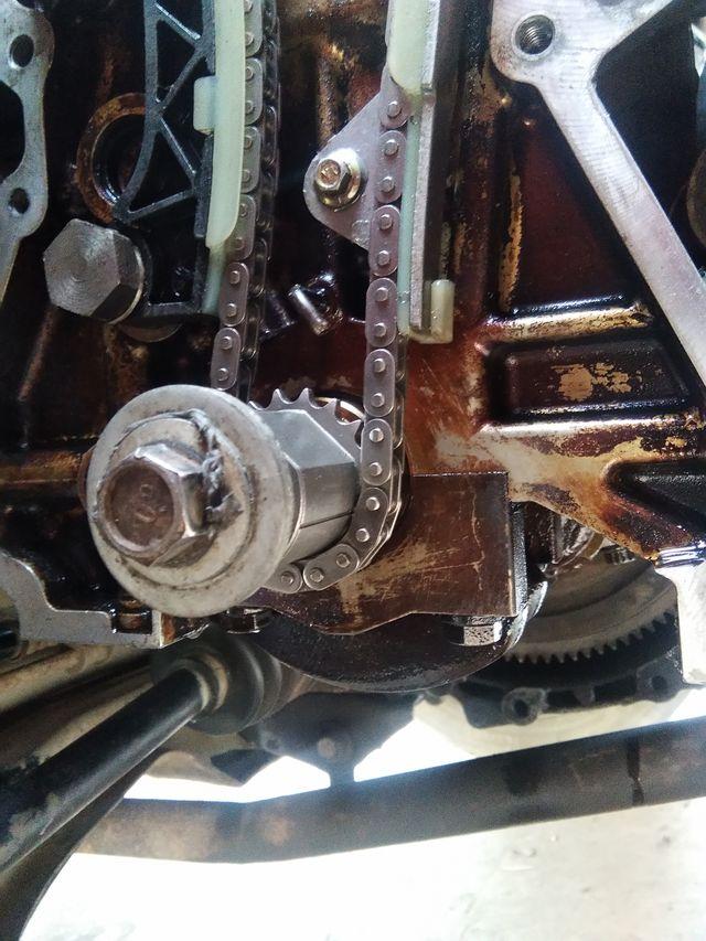 比亚迪f0三缸正时怎样对,排气凸轮有三个点那个字母in,ez,这两点对个