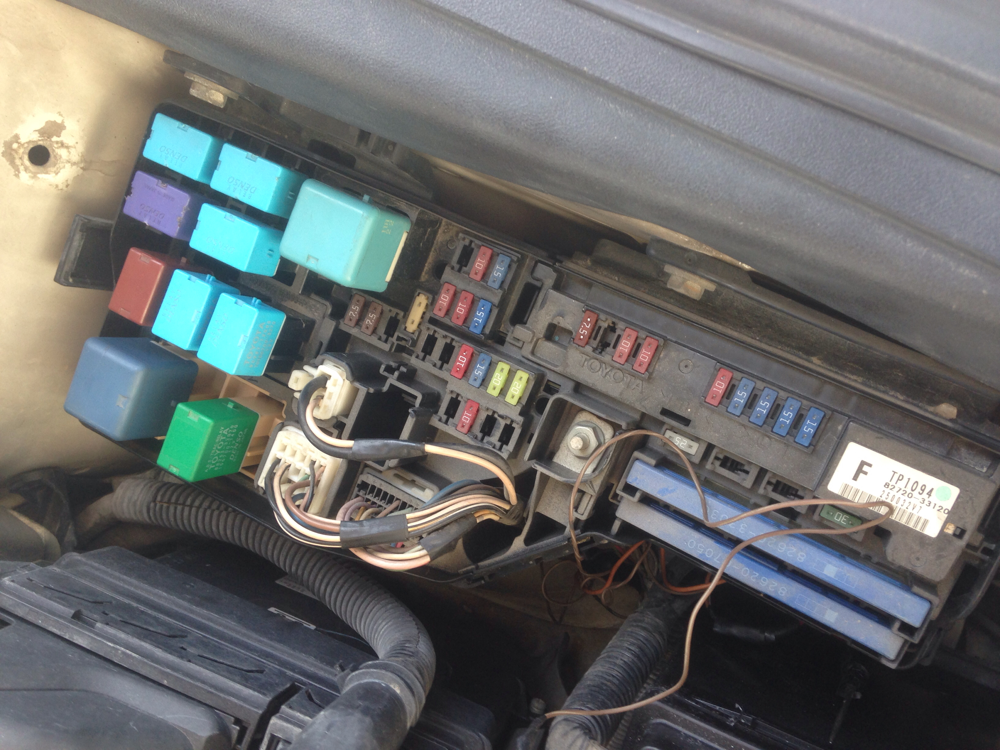 1年前 哪里的保险丝 1年前 前面机舱 1年前 先检查油泵保险丝,看看是